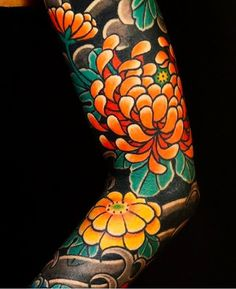 Japanese sleeve tattoos, sleeve tattoos и traditional japanese tattoos. Leg Sleeve Tattoo, Full Sleeve Tattoos, Cover Up Tattoos, Body Art Tattoos, Buddha Tattoos, Armor Tattoo, Henna Tattoos, Tattoo Thigh, Japanese Flower Tattoo