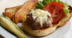 The Complete Guide to Making Burgers at Home Once you get the fundamentals down, burger glory will be yours forever. How To Make Burgers, Home Burger, Breakfast Burger, Juicy Lucy, Burger Places, Serious Eats, Cooking Tips, Food To Make, Food Processor Recipes