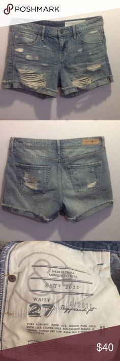 Distressed Jean Shorts. Size 27. Boyfriend fit, higher waist. Treasure & Bond Beehive Light Destroy. Bought off another seller, but need next size up (which I found!) Treasure & Bond Shorts Jean Shorts