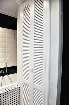 Łazienka glamour - projektowanie wnętrz Warszawa // glamour bathroom in white and black http://www.jedynetakiewnetrza.pl