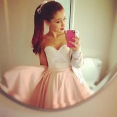 Ariana Grande media gallery on Coolspotters. See photos, videos, and links of Ariana Grande. Ariana Grande Images, Ariana Grande Outfits, Debby Ryan, Moda Outfits, Cute Outfits, Nickelodeon Victorious, Cute Dresses, Short Dresses, Junior Dresses