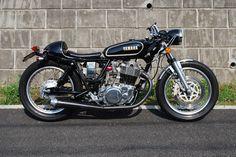 ϟ Hell Kustom ϟ: Yamaha SR400 By Yamaguchi Ringyous