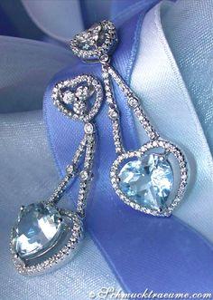 Something blue: Precious Aquamarine Heart Earrings with Diamonds in Whitegold 18k
