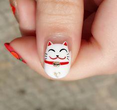 Gato blanco Japones decorado en uñas - Japanese cat nail