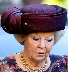 Milestone Birthday for Queen Beatrix: The Funny Hats Hat Cake, Funny Hats, Royal Jewels, Royal Crowns, Church Hats, Save The Queen, Milestone Birthdays, Elegant Woman, Signature Style