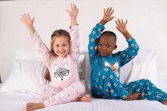Kids Fox Pyjama's! Pink Girl, Boy Or Girl, Girls Pyjamas, Kids Robes, Old T Shirts, Boy Blue, Mini Me, Baby Wearing, Soft Fabrics