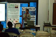 Alejandra Dugarte hablando sobre Canaima Universitario