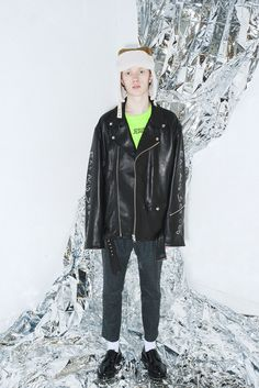 Oversized Fits & Punk-Inspired Apparel in SUB-AGE's Latest Collection