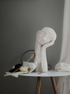sculpture art clay art on a table Art Sculpture, Pottery Sculpture, Ceramic Sculptures, Pottery Vase, Decor Scandinavian, Design Art, Interior Design, Color Interior, Interior Styling