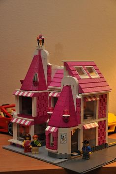pink lego!!! ice cream shop/all new line for girls!!! It's about time.