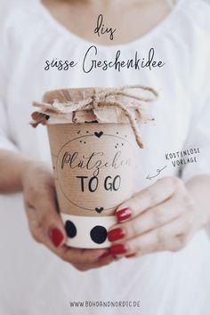 Geschenke aus der Küche. Individuelle und kreative Geschenkidee zum Selbermachen. Kostenlose Vorlage zum Ausdrucken. Plätzchen und Kekse zum Verschenken. Geschenke hübsch verpacken. Freebie Aufkleber. Geschenke einfach selber machen. #geschenke #küche #vorlage #kostenlos #freebie #geschenkeverpackung #diy #bastelidee #geschenkidee #selbermachen #verschenken