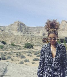 Beyonce shares intimate pics from Grand Canyon with Jay Z and Blue Ivy Beyonce 2013, Beyonce Knowles Carter, Beyonce And Jay Z, Beyonce Braids, Beyonce Pictures, Destiny's Child, King B, Pochette Cd, Houston