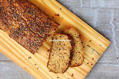 Pão low carb de forno sem glúten e de baixo índice glicêmico . Feito com farinha de maracujá que é rica em fibras! A farinha de maracujá é low carb e foi uma