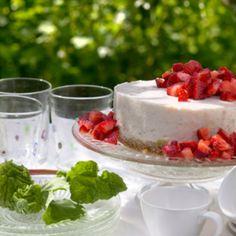 Mansikka-juustokakku, resepti – Ruoka.fi - Strawberry Cheese Cake Finland