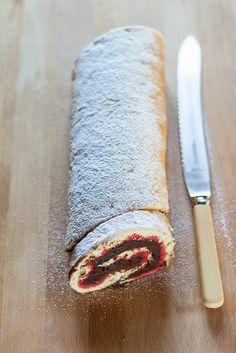 Chocolate Sponge Roll by e.julskitchen