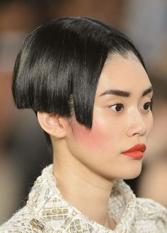 Crazy hair and makeup looks from Paris Haute Couture Fashion Week ...