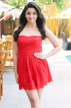 Bollywood Actresses look hot in Red Dress. Alia Bhatt is a fashion diva. Indian Celebrities, Bollywood Celebrities, Bollywood Fashion, Bollywood Stars, Beautiful Girl Indian, Most Beautiful Indian Actress, Alia Bhatt Photoshoot, Alia Bhatt Cute, Beautiful Bollywood Actress