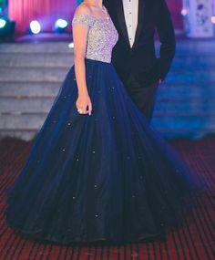 Engagement Gowns, Trendy Dresses, Formal Dresses, Banarasi Lehenga, Indian Party, Saree Dress, Fashion Wear, Indian Wear, Frocks