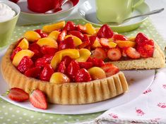 Obstboden backen – das einfache Grundrezept Website uses cookies to give you the best possible service. German Baking, German Cake, German Desserts, Pastry Board, Food Website, Sweet Cakes, Cream Recipes, Cakes And More, Bread Baking