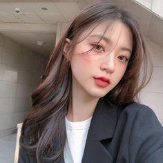 Korean Long Hair, Korean Hair Color, Hair Color Blue, Hair Korean Style, Korean Haircut Medium, Korean Hairstyle Long, Ulzzang Hairstyle, Medium Hair Cuts, Medium Hair Styles