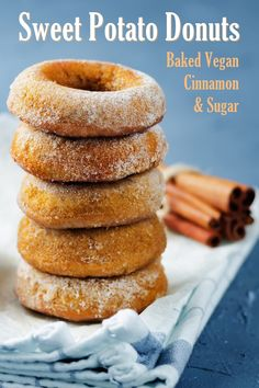 Baked Sweet Potato Donuts Recipe - Vegan, Low Fat, and optionally Oil-Free! Sweet Potato Donut Recipe, Potato Doughnuts Recipe, Sweet Potato Cinnamon, Baked Donuts, Sweet Potato Recipes, Sweet Potato Dessert, Vegan Doughnuts, Cinnamon Recipes, Donut Recipes