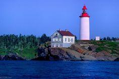 Parc National, Cn Tower, Saint Laurent, Building, Lighthouse, Landscape, Construction, Buildings, Yves Saint Laurent