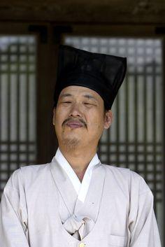 Korean hanbok - Teacher dressed in scholarly hanbok  #southkorea #asia #korea #seoul #hanbok #city #history #culture #experience #travel #traveltherenext #people