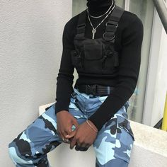 """o this is the type of """"streetwear"""" I'ma start posting. It's more about the style itself not random expensive shit Fashion Mode, Urban Fashion, Mens Fashion, Style Fashion, Mode Streetwear, Streetwear Fashion, Tomboy Outfits, Fashion Outfits, Fashion Hacks"""
