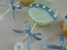 Google Image Result for http://www.cupcakedecoratingsupplies.com/wp-content/uploads/2011/09/Baby-shower-cupcake-idea.jpg