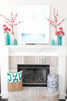 It's time to redecorate for spring! Love this fresh and inviting spring living room! See more on http://ablissfulnest.com/ #springdecorating #livingroom