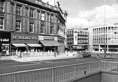 Olde Sheffield #socialsheffield #sheffield Sheffield City, Sheffield England, Nostalgic Images, South Yorkshire, Local History, Coventry, Old Pictures, Great Britain, Beautiful Places