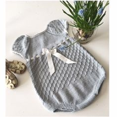 The product URBAN PIKEDRAKT is sold by Be Charmed av JMHK in our Tictail store.  Tictail lets you create a beautiful online store for free - tictail.com Spanish Pattern, Stockinette, Baby Knitting Patterns, Urban Design, Lana, Knit Crochet, Beautiful, Kids, Knitwear