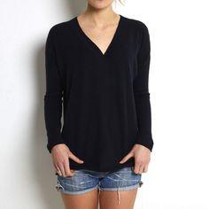 Oversized v neck black cashmere www.wildwool.no