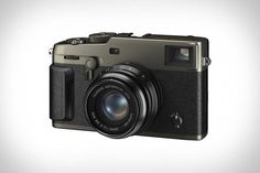 Sony Camera E Mount Lenses #cameramen #SonyCamera Sony Camera, Digital Camera, Dslr Cameras, Movie Records, Fuji X, Gear Best, Point And Shoot Camera, Camera Reviews, Cmos Sensor