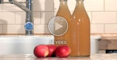 Slik lager du en kjempegod, frisk og sunn epledrikk.