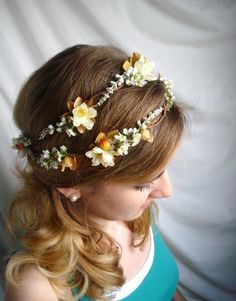 If I were going to have a Fall wedding I would totally buy this!  #thehoneycomb Etsy Seller