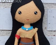 PDF sewing pattern to make a felt doll inspired in Elsa.