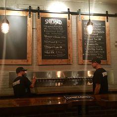 Shipyard Brewing Company, Portland - offering beer flights (tastings)