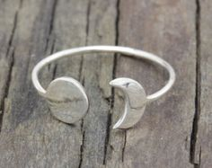 925 sterling siver crescent moon and sun  ring