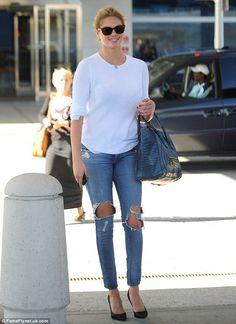 9ba6a1b52971 Leggy blonde  Kate Upton showed off her long