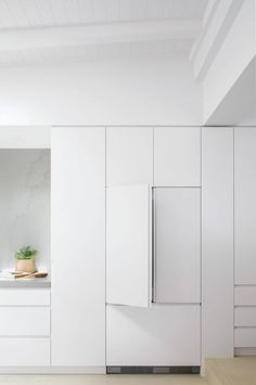 Lanas Forever Home The Kitchen Tools by Fisher & Paykel Modern Kitchen Interiors, Contemporary Kitchen Design, Home Decor Kitchen, Home Kitchens, Galley Kitchens, Dream Kitchens, Kitchen Ideas, Santorini House, Three Birds Renovations