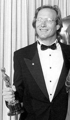 """58th Academy Awards® (1986) ~ William Hurt won the Best Actor Oscar® for his performance in """"Kiss of the Spider Woman"""" (1985) (Won 1 Oscar. Another 17 wins & 22 nominations)"""
