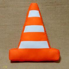 7da8b0bee Compre Almofada Cone - Trânsito no Elo7 por R$ 47,00   Encontre mais