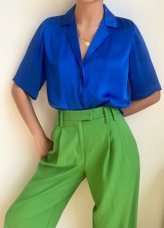 Orseund Iris cobalt blue top and green pants Mode Outfits, Casual Outfits, Fashion Outfits, Womens Fashion, Fashion Trends, Fashion Sites, Modest Fashion, Fashion Bloggers, Color Blocking Outfits