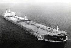 Tanker Ship, Oil Tanker, Concept Ships, Water Crafts, Sailing, Navy, Bridges, Images, Shipwreck