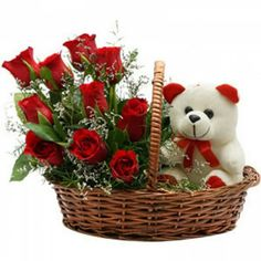 Send flowers online: We offer online bouquet delivery and online flowers delivery in India. Just send flowers to India get free flowers online delivery in India. Roses Valentines Day, Valentine Bouquet, Valentine Gifts, Valentine Ideas, Valentine's Day Flower Arrangements, Rosen Arrangements, Flower Box Gift, Flower Boxes, Gift Bouquet