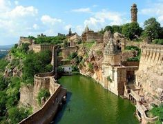 "Chittorgarh Fort, Indian  ""Follow"" us for more beautiful photos and don't forget click share.  Thanks!"