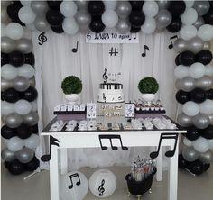 3 Year Old Birthday Party Boy, Girls Birthday Party Games, Music Theme Birthday, Rockstar Birthday, Music Party Decorations, Birthday Party Decorations, Party Themes, Festival Themed Party, Music Themed Parties