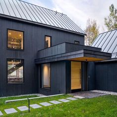 Photo by Leah 🏡 Design Cedar Shingle Siding, Cedar Shingles, Modern Farmhouse Exterior, Black Exterior, River House, Home Pictures, Black House, Barns, Architecture Design