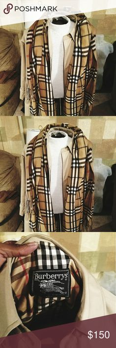 Burberry Trench Coat This item is in Excellent Condition Burberry Jackets & Coats Trench Coats